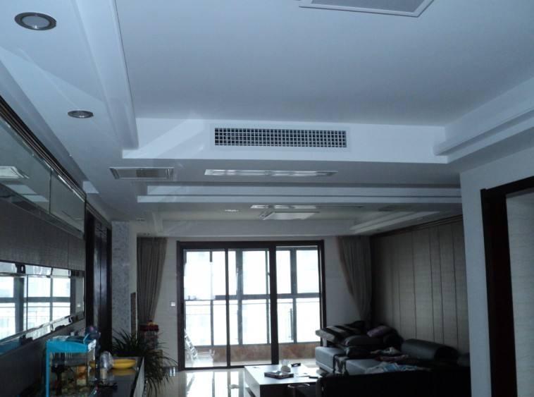 140平方米三室两厅户型